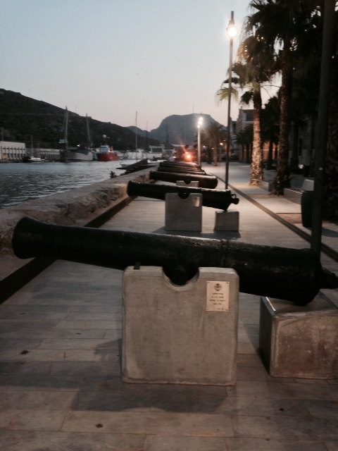 cartagena_port_cannons